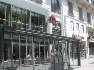 There are many fabulous things about Paris, but sometimes you just need a reminder of good ol' American stuff. Here's the first Chipotle location to open in France -- and it's on Boulevard Montmartre, right in the city center.