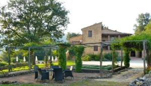 "Want to experience the Tuscan sun yourself? From April 5-12, 2014, SimpleItaly's ""Celebration of the Senses"" tour will call this luxury villa near Siena its home base."